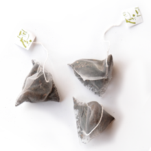 Load image into Gallery viewer, Japanese Black Tea: Setoya Momiji (Tea Bags)  紅茶・瀨戶谷もみじ 3g bags