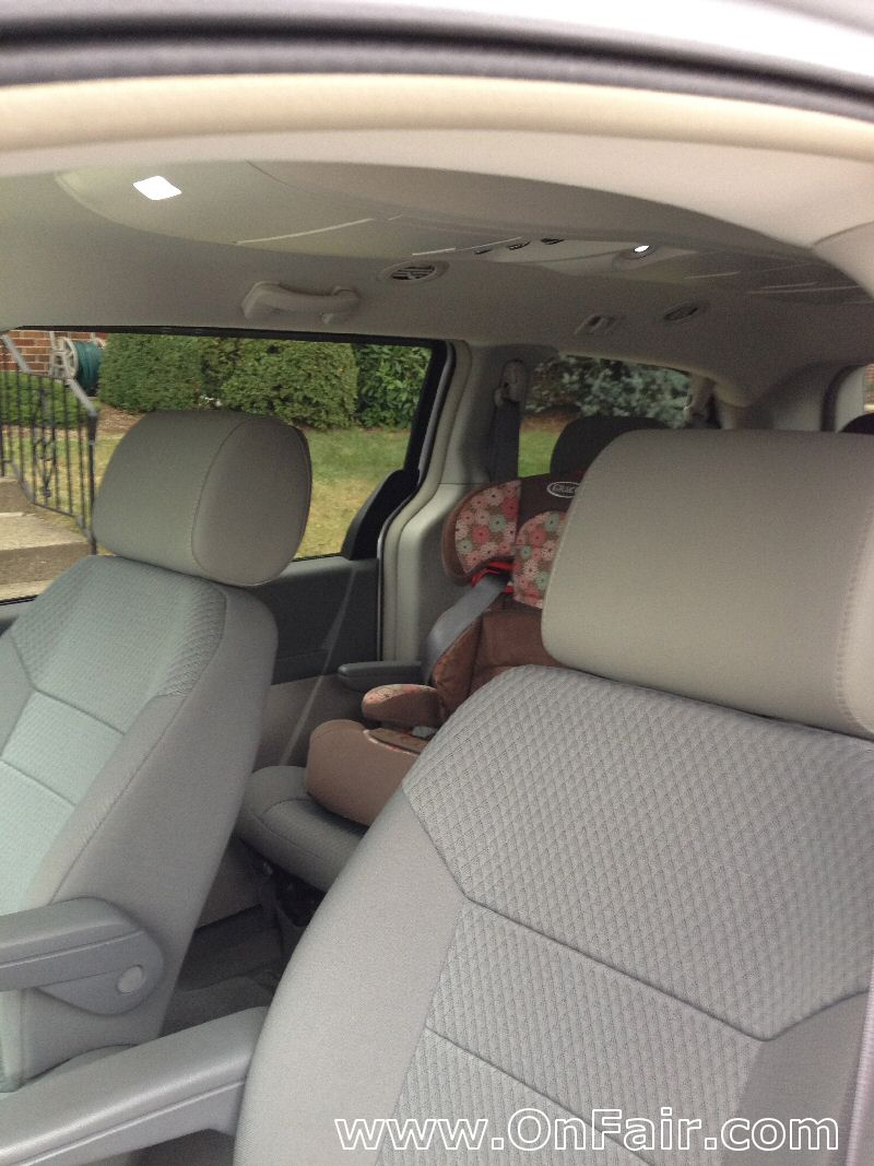 Autotain Customer Photo 2010 Chrysler Town and Country Touring