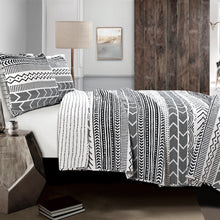 Load image into Gallery viewer, Hygge Geo 3-Piece King Quilt & Sham Set by Lush Decor, Black/White 11148