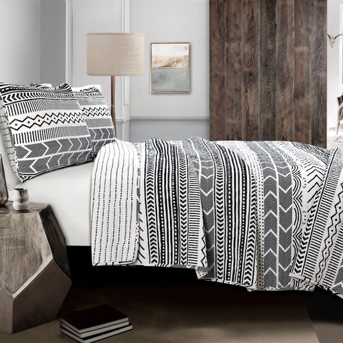 Hygge Geo 3-Piece King Quilt & Sham Set by Lush Decor, Black/White 11148