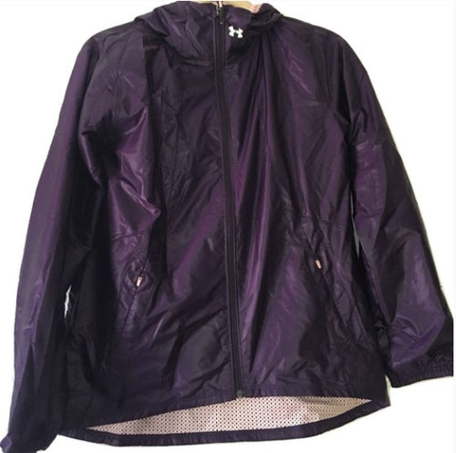 Under Armour Run True hooded womens windbreaker Jacket purple 11040 Size SMALL