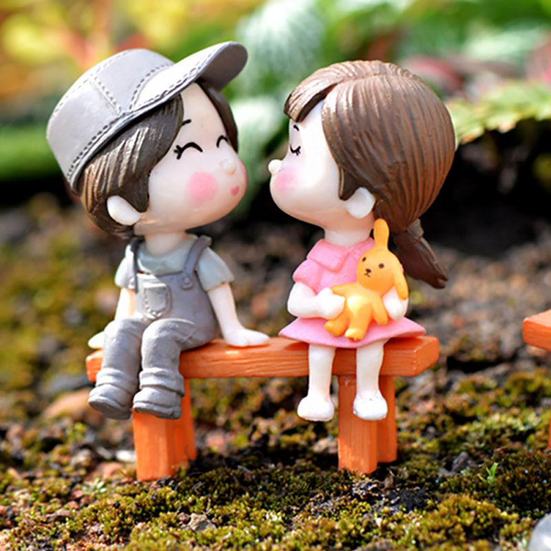 Mini PVC Couples Figurines Cute Boy and Girl Lovers Dolls for Home Decor