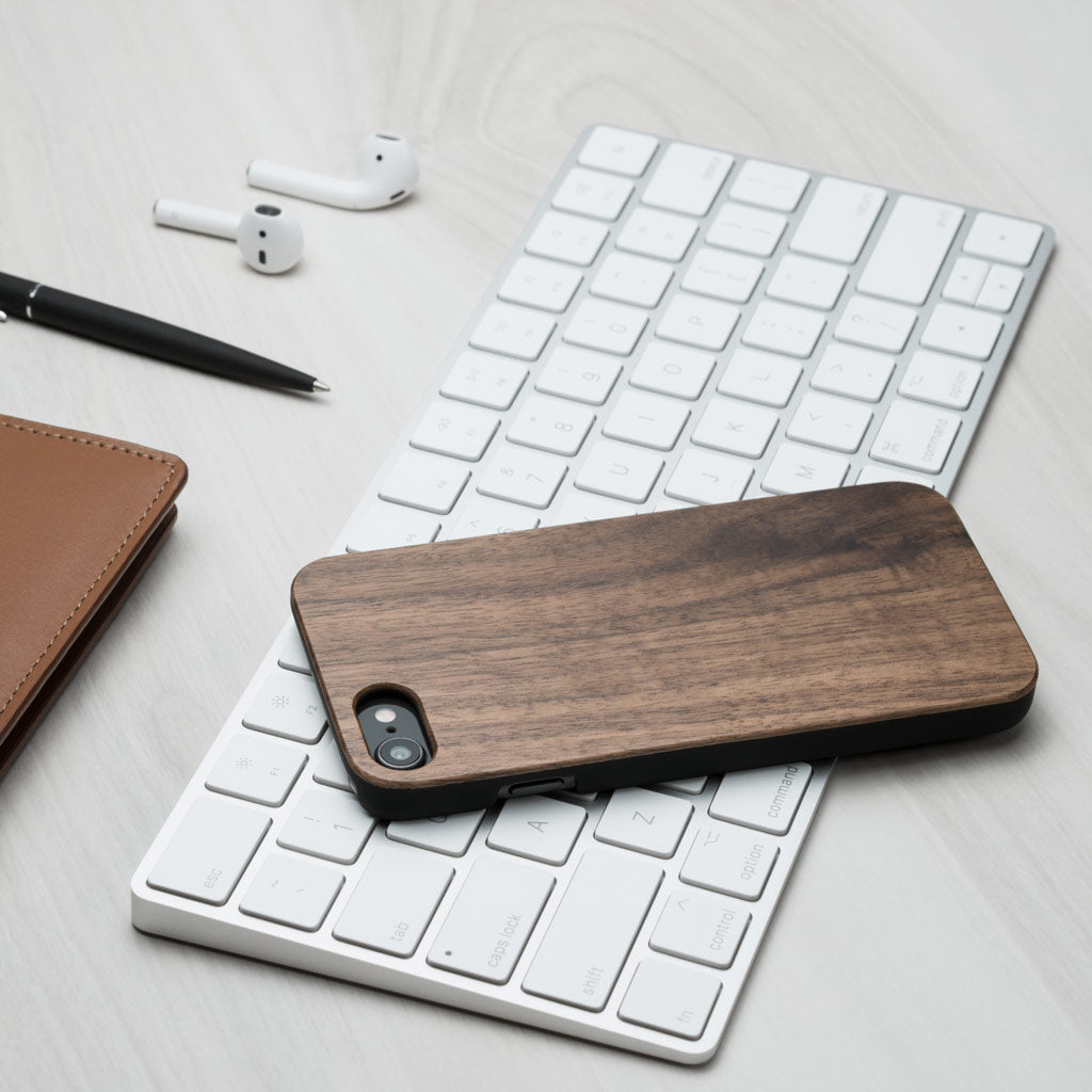 Classic coque iPhone - Noyer en bois - Oakywood France