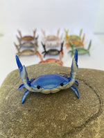 These Crabs are particularly popular with Twitter and Instagram, designed by Japanese designer Ahnitol. It comes in 8 different colors.