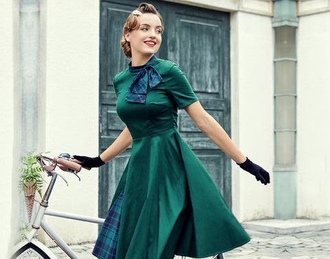 Guide to 1950s Women's Fashion - What Did Women Wear in the 1950s