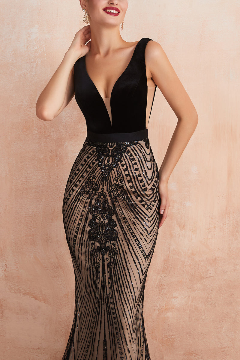 Load image into Gallery viewer, Mermaid Sequins Black Dress
