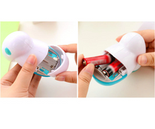 Load image into Gallery viewer, Portable Electric Lint Remover