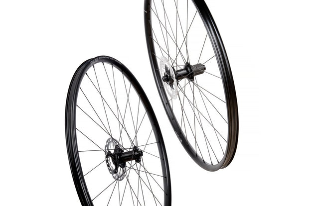 4 SEASON GRAVEL DISC X-WIDE WHEELSET, 700c