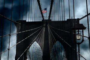Flag på Brooklyn Bridge af Thomas Juul - NordicPhoto
