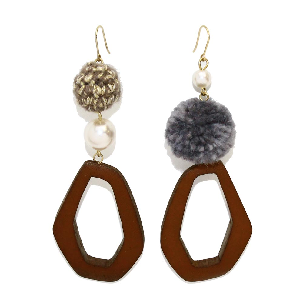 Pompom and Wood Hoop Earrings - Osewaya