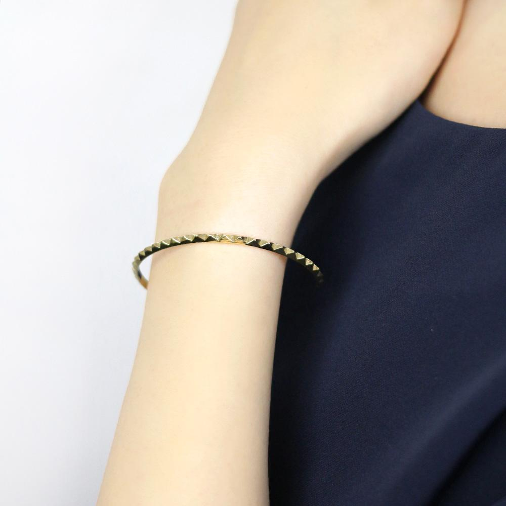Studs Metal Bangle - Osewaya