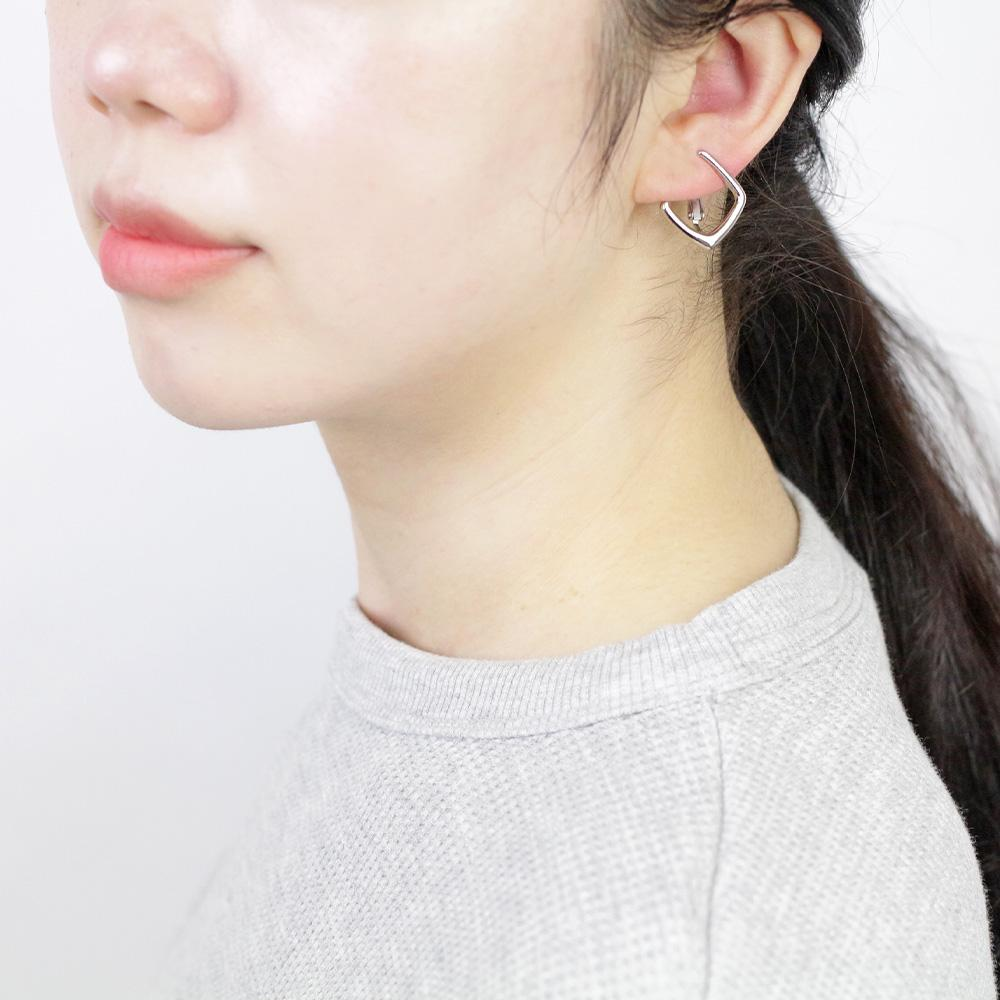 Basic Metal Square Clip On Earrings - Osewaya