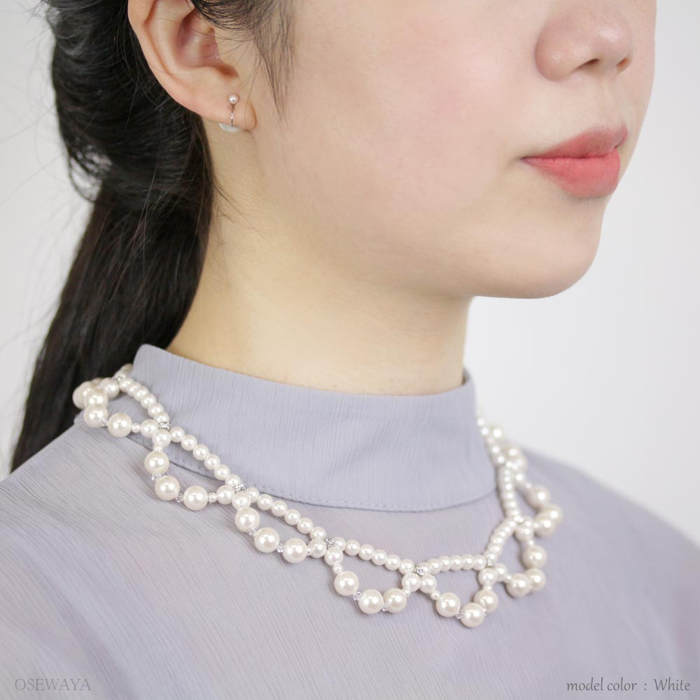 Scallop Lace Pearl Necklace