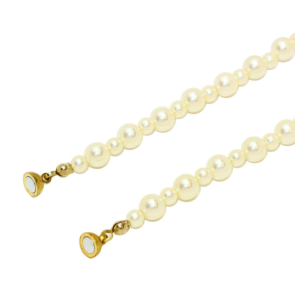 Decorative Pearl Magnet Clasp Necklace