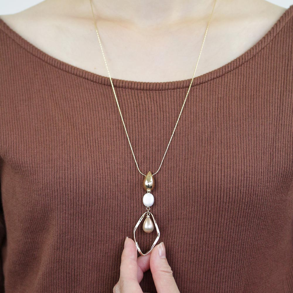 Hollow Rhombus Teradrop Aurora Pearl Necklace - Osewaya