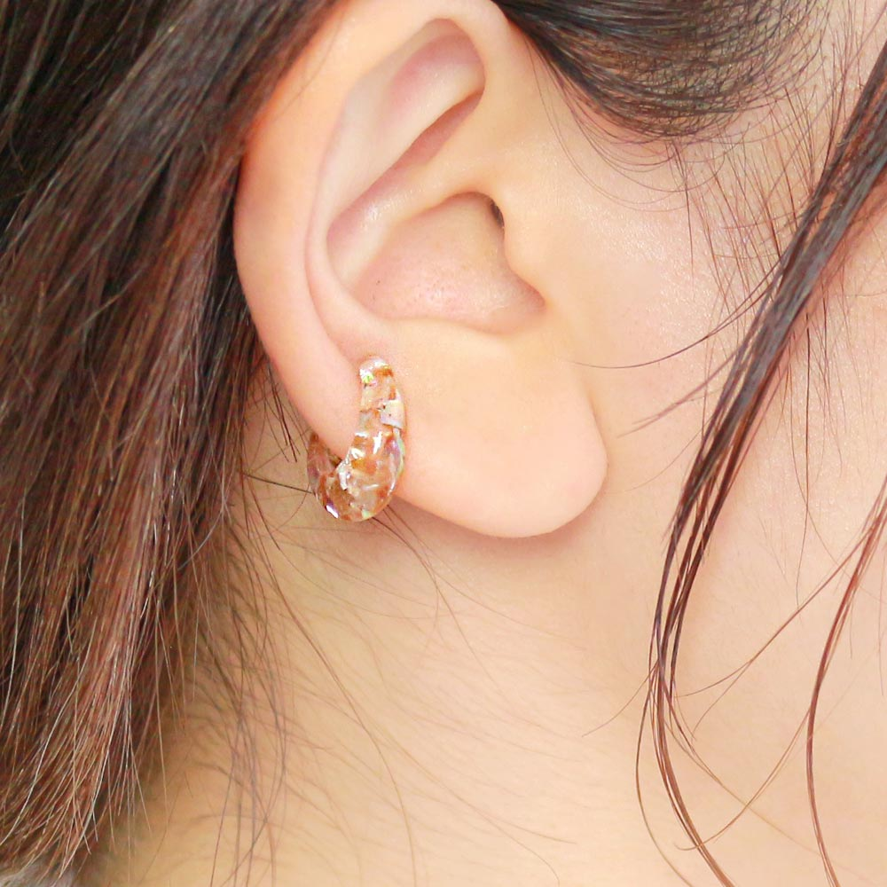 Crushed Shell Clear Ear Cuff