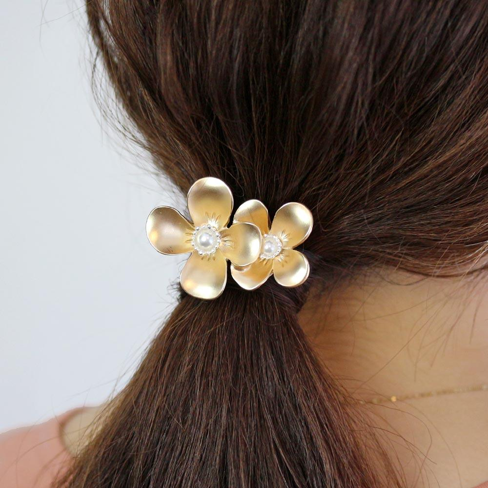 Bold Matte Finish Flower Hair Hook