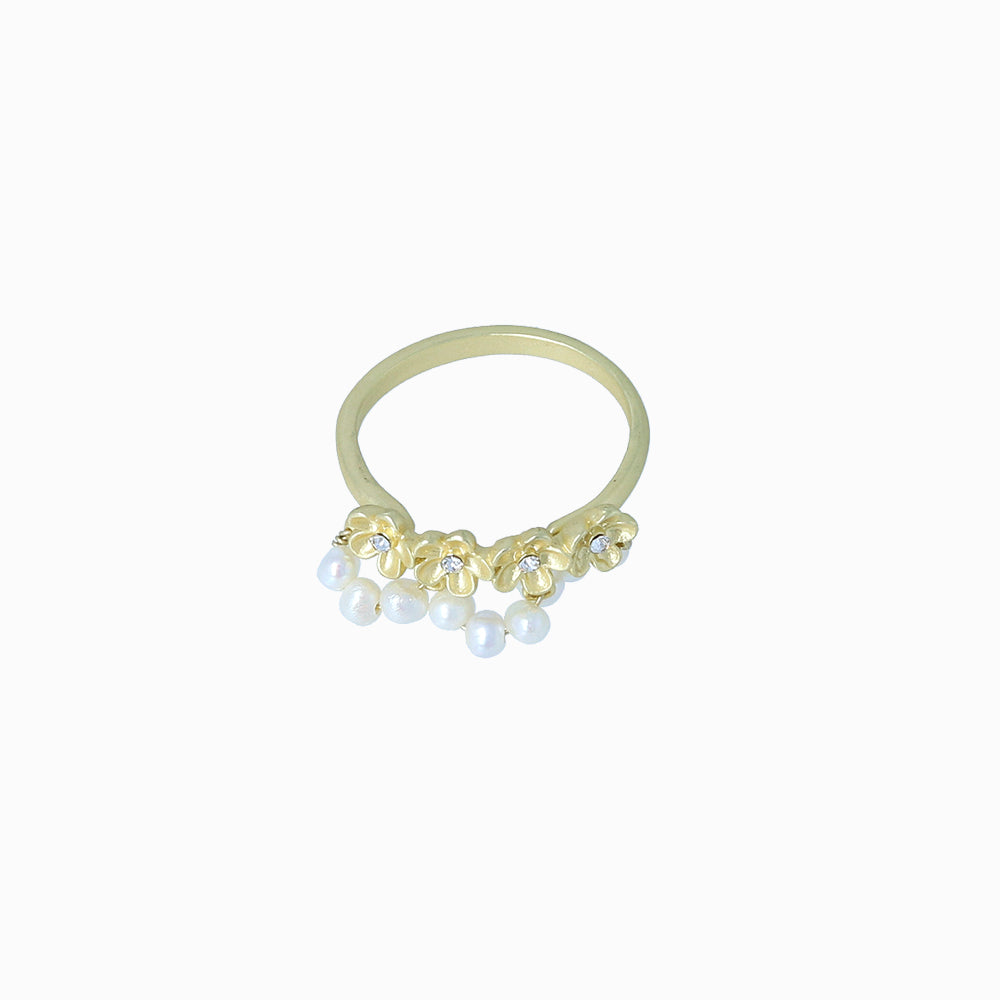 Elderflower and Cluster Pearl Ring