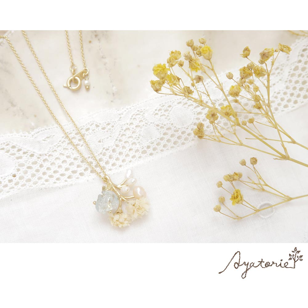 Gypsophila Necklace - Osewaya