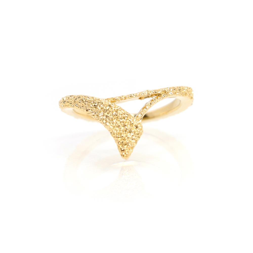 "Textured ""V"" Ring - Osewaya"