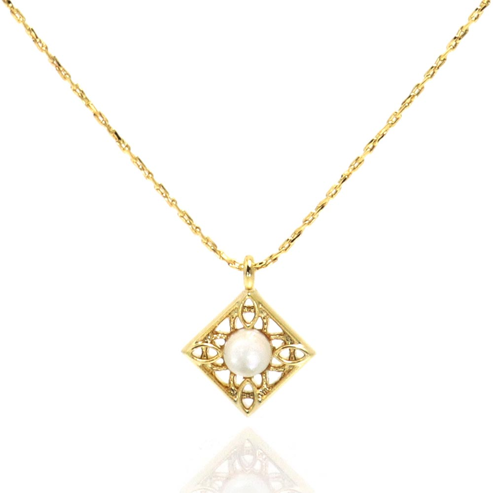 Milky White Shell Filigree Square Necklace - osewaya
