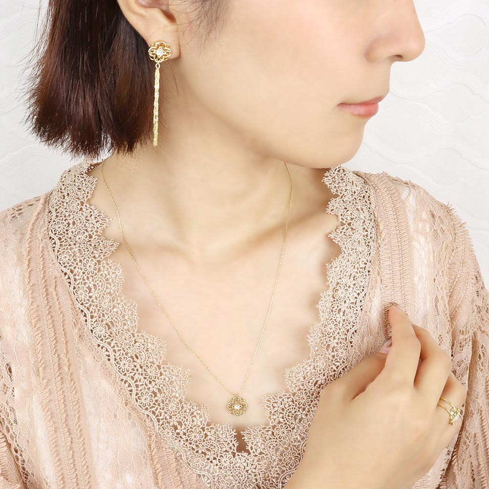 Milky White Shell Filigree Petal Necklace