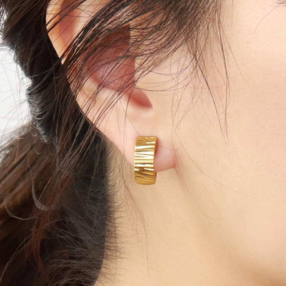 Striped Hoop Magnetic Ear Cuff