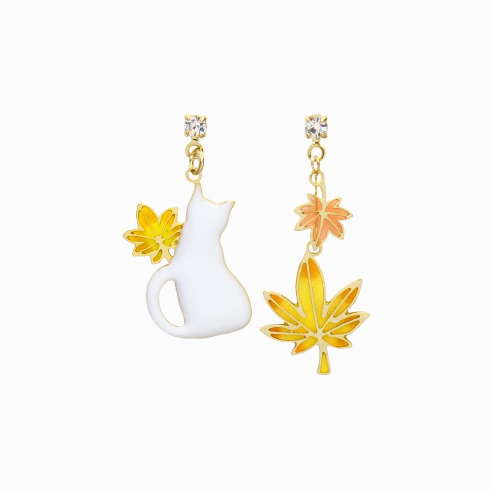 Momiji and Cat Drop Earrings