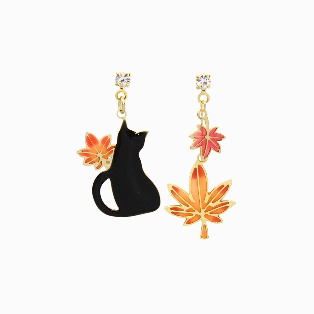 Momiji and Cat Drop Earrings - osewaya