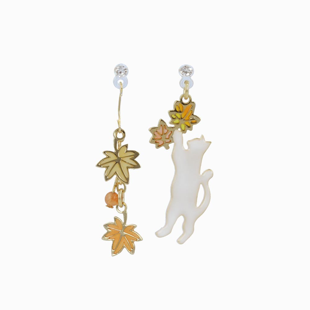 Momiji Leaf and Cat Invisible Clip On Earrings