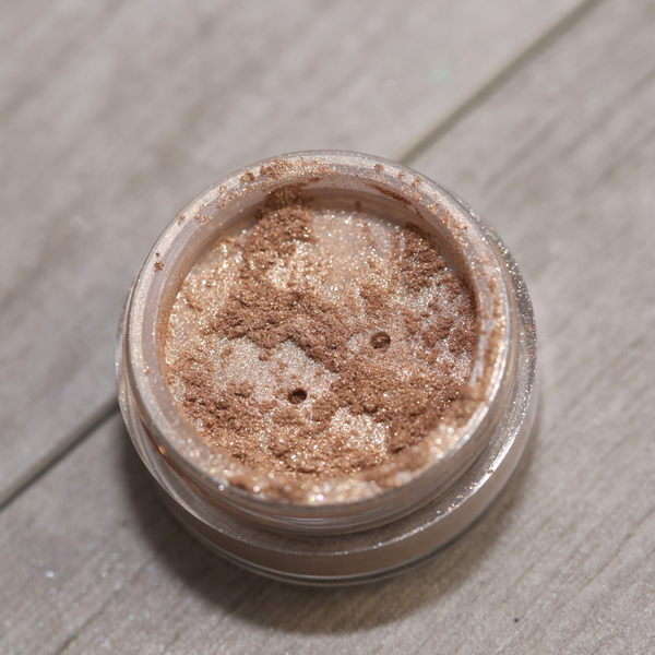 Tempting Beige Flawless Radiance All Over Face Color Bronzer