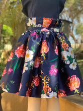 Load image into Gallery viewer, Pleaty floral skirt