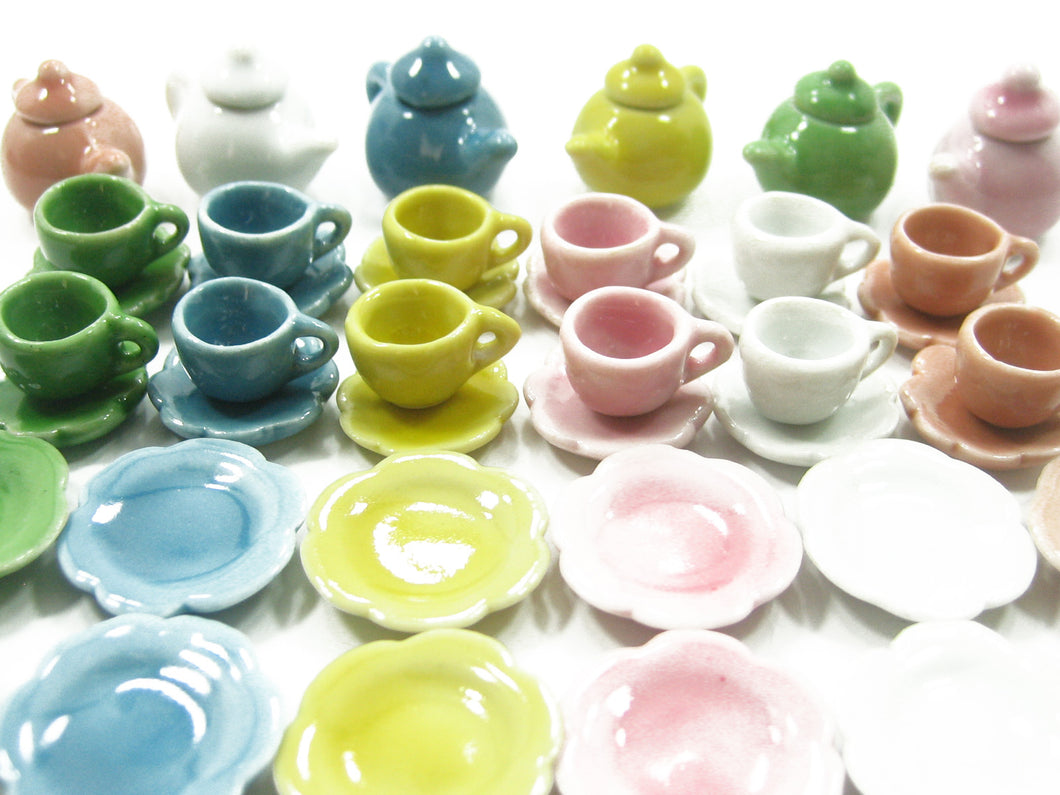 Dollhouse Miniature 42 Mixed Ceramic Teapot Cup Saucer Scallop Plate Dish 2339