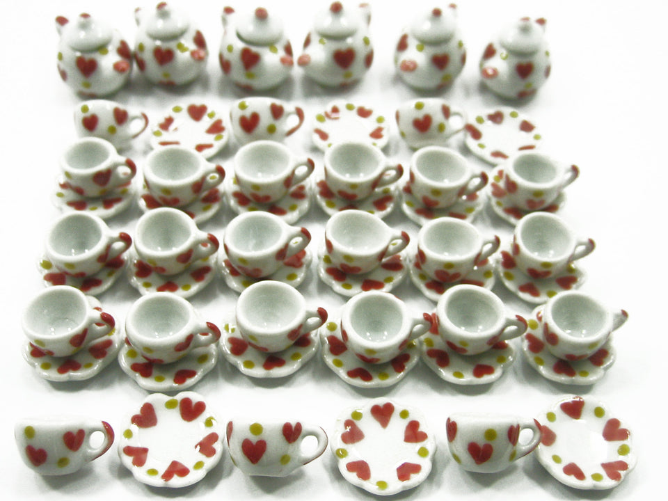 Dollhouse Miniature Ceramic 24/54 Heart Cup Saucer Teapot Scallop Plate #S 2370