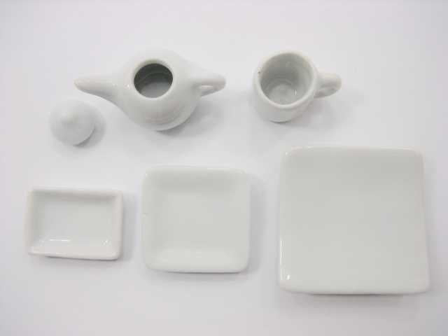 Dollhouse Miniature Ceramic 18 Mixed White Square Plate Dish Cup Mug Teapot 3391