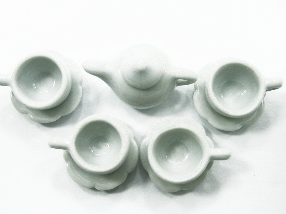 4/9 White Cup Teapot Saucer Scallop Plate Dollhouse Miniature Ceramic #M 3860