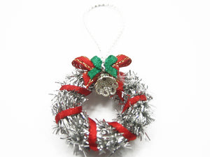 Dollhouse Miniature Christmas Decoration Silver Wreath Holly Supply Charms 7211