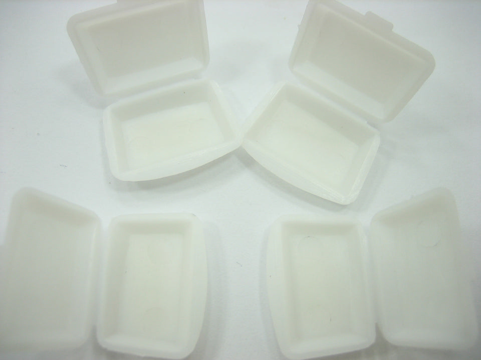 Dollhouse Miniature Accessories Supply 4 Empty White Plastic Food Pack 8896