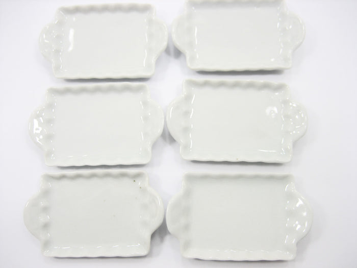 White Ceramic Bakery Tray 30x40 mm. Dollhouse Miniatures Food Supply