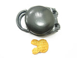 Dollhouse Miniature Bunny Waffle Metal Shop Display Supply A000 9533