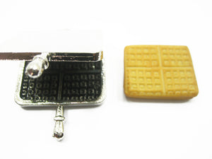 Dollhouse Miniatures Square Waffle Metal Shop Accessories Supply 9535