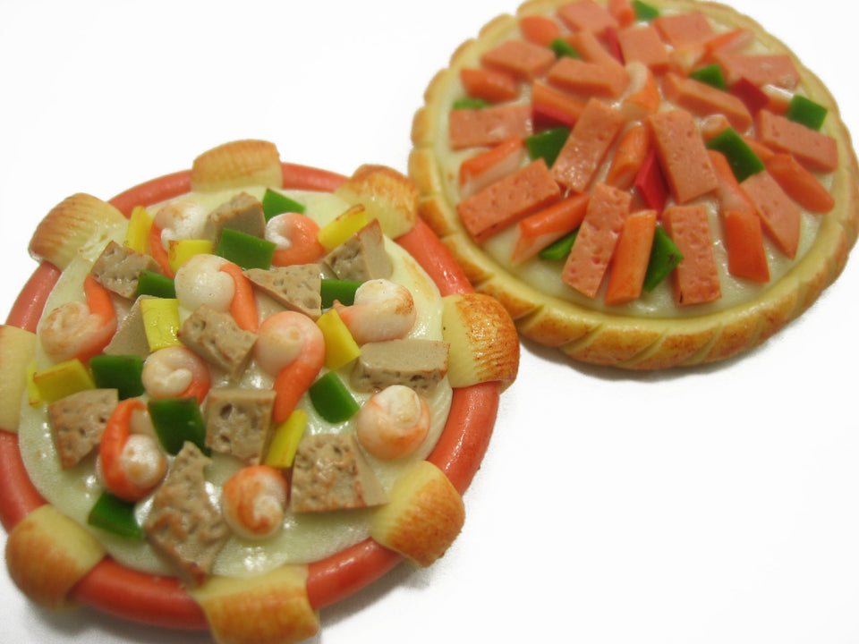 Dollhouse Miniatures Food Set Of 2 Mixed Assorted Pizza Pan Supply 10467