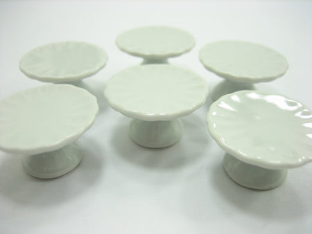 25 mm White Cake Bakery Ceramic Stand  Dollhouse Miniatures Cake Supplies