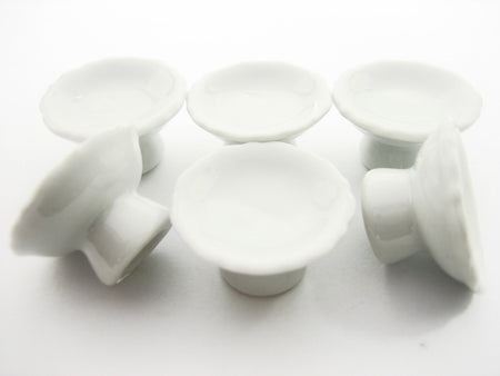 27 mm White Cake Bakery Ceramic Stand  Dollhouse Miniatures Supply