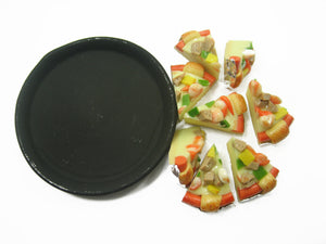 Dollhouse Miniature Food 8 Cuts Sausage Seafood On Pizza Hot Pan Deco 10913