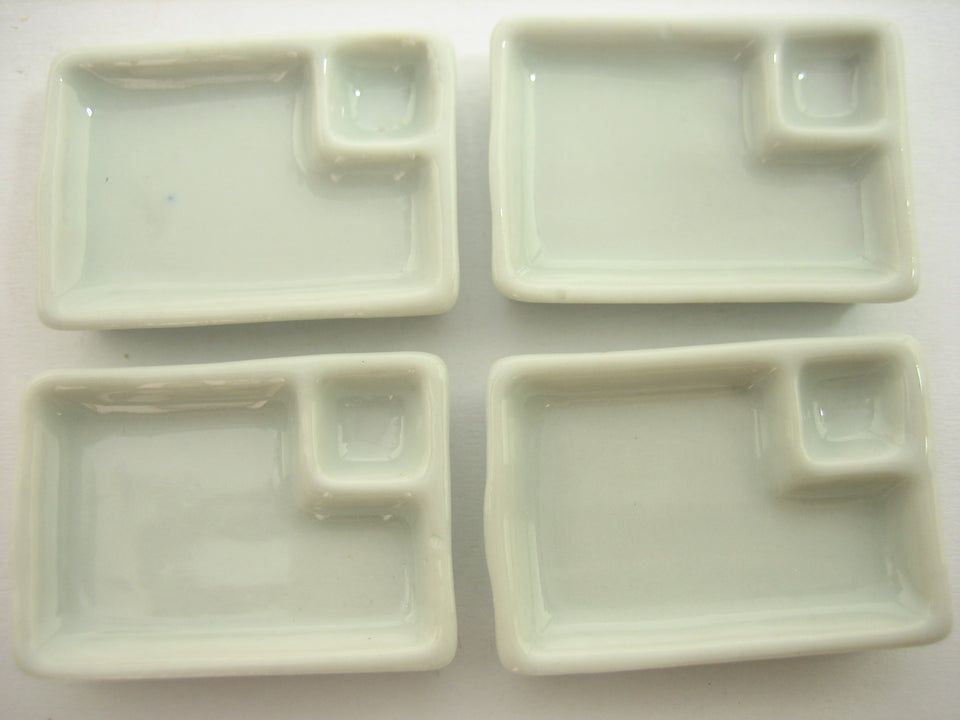 Set White Ceramic Tray Plate Dollhouse Miniatures Kitchen Supply Charms