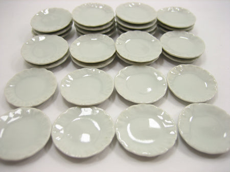 25mm White Scallop Plate Dish Dollhouse Miniature Ceramic Kitchenware