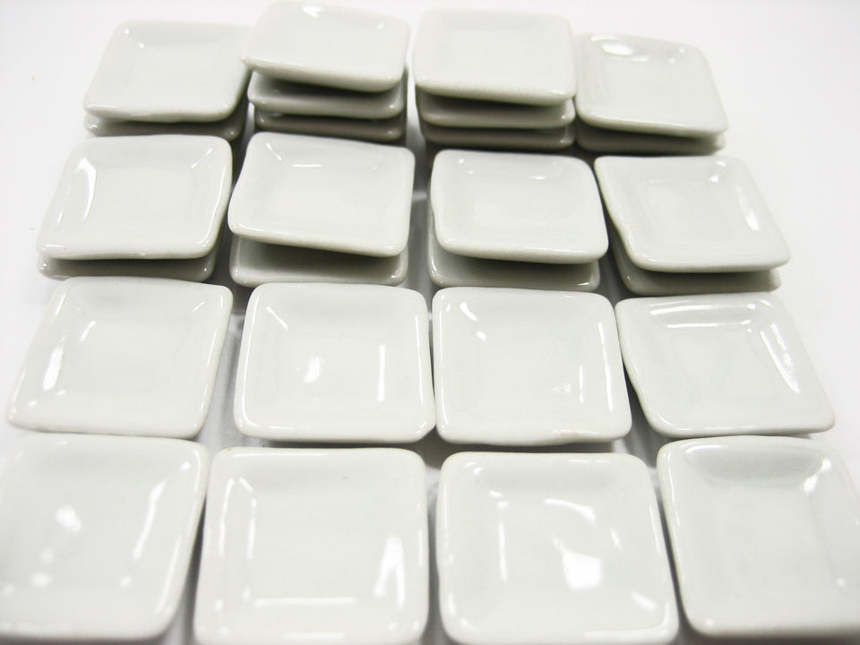 20x20mm White Square Plate Dish Dollhouse Miniature Ceramic Kitchenware