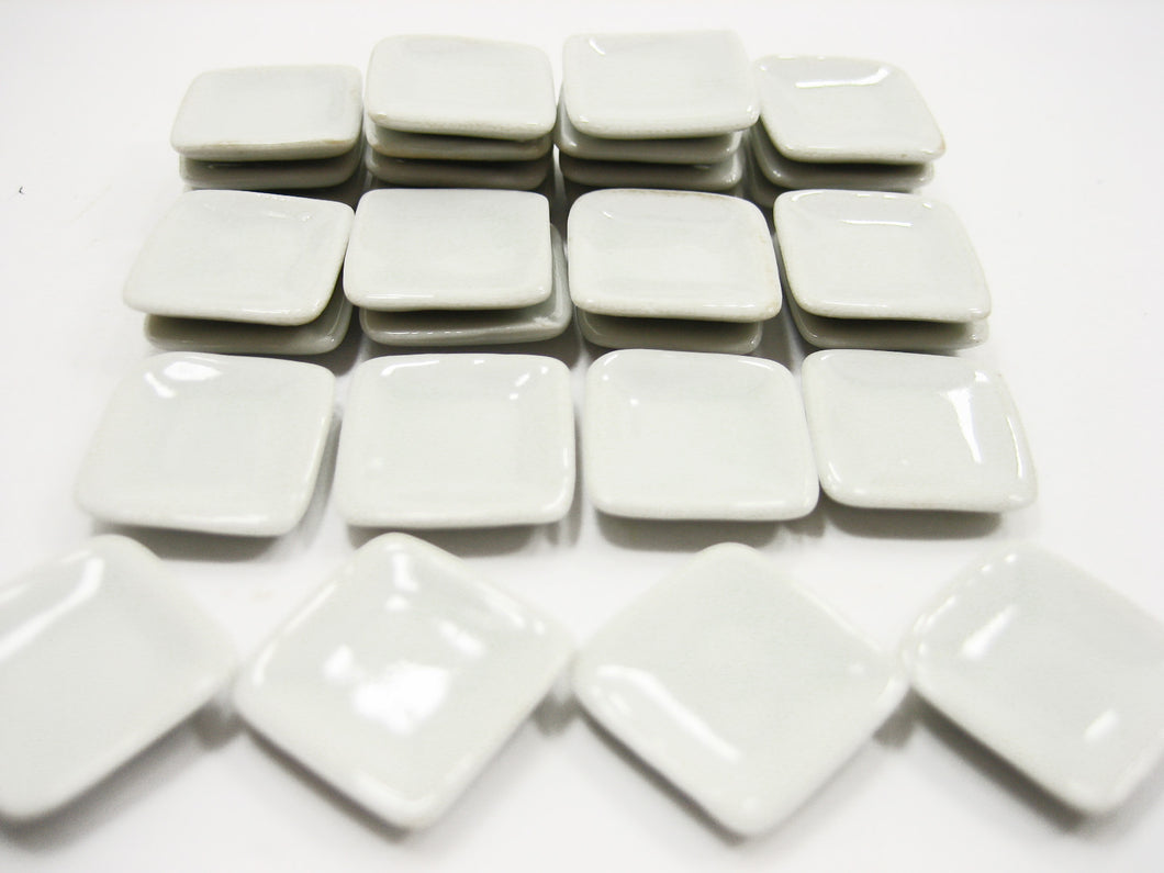 15x15mm White Square Plate Dish Dollhouse Miniature Ceramic Kitchenware