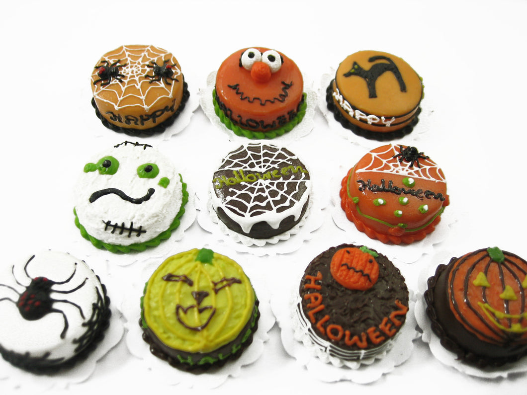 10x20mm Mixed Assorted Halloween Seasonal Cake Dollhouse Miniature Food 12713